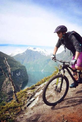 Specialized ambassador Gunn Helene Nordgaard stisykling terrengsykkel møre romsdal tur norge